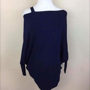Tops - Navy blue sweater